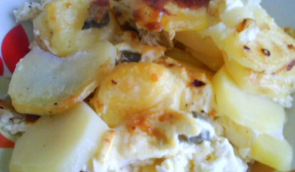 Пикантни картофи с гъби на фурна