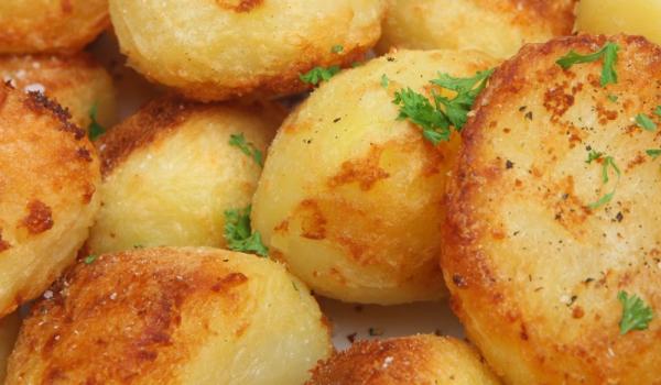 Задушени картофи в йенско сктъкло
