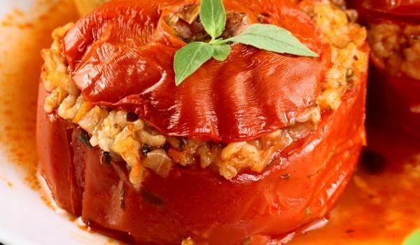 Пълнени с ризото домати