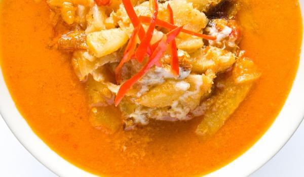 Къри с ананас и кокосов орех
