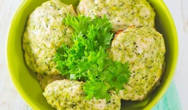 Кюфтета от броколи и сирене