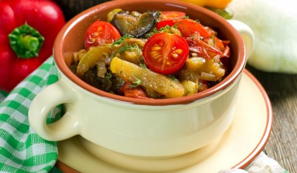 Зеленчуков миск на фурна
