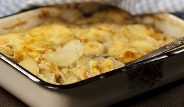 Запеканка от картофи и кисело зеле