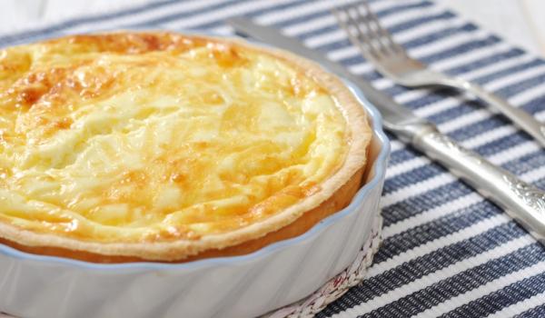 Пай от многолистно тесто с три вида сирене