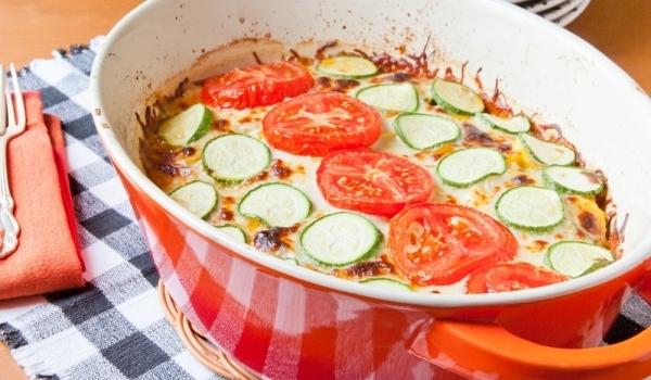 Зеленчуци с топено сирене