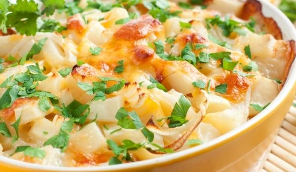 Картофи с бял сос на фурна