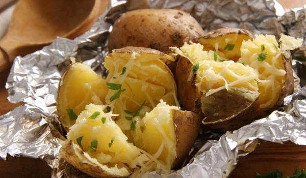 Лесни картофи във фолио
