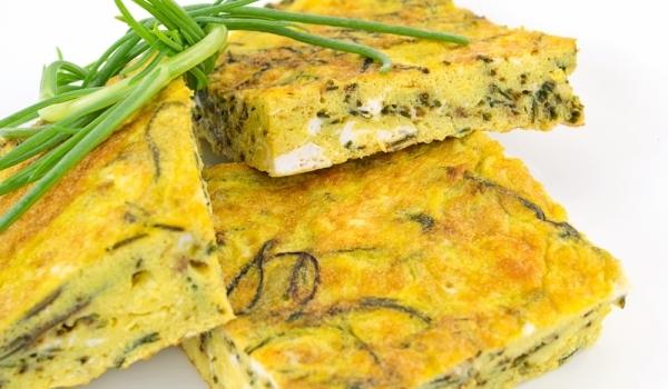 Фритата със сирене и лук