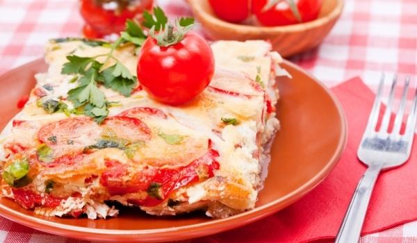 Запеканка с тиквички и домати