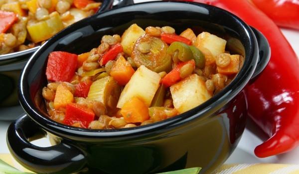 Гювеч със зеленчуци и джанки