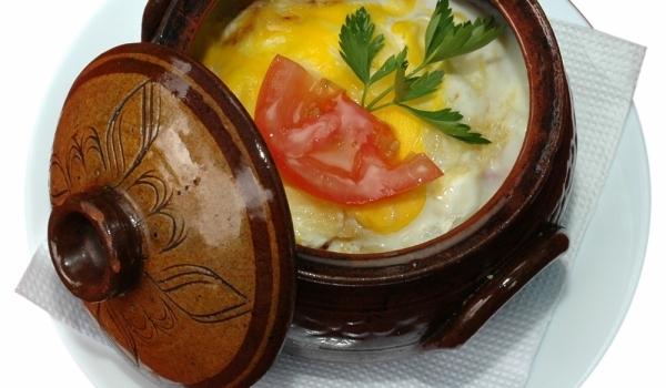 Яйца в гювече