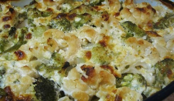 Запечени броколи и карфиол със сметана