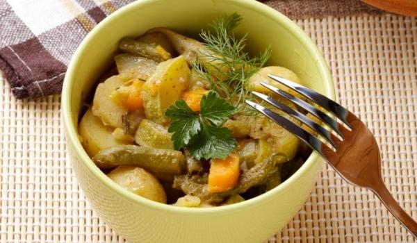 Зелен фасул с картофи на фурна