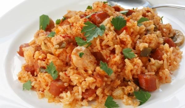 Ориз с домати на фурна