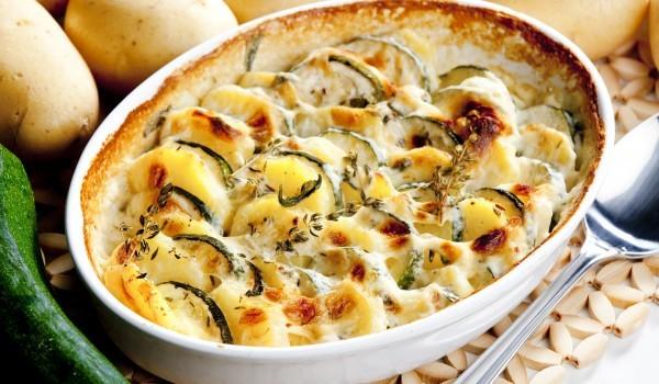 Запеканка от тиквички с картофи