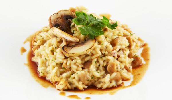 Ориз с гъби и соев сос