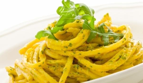 Спагети с лимонов сос и рукола