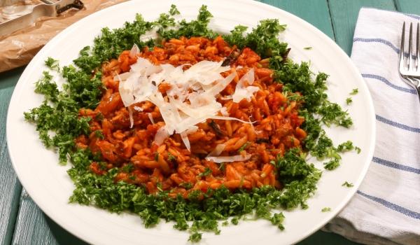 Орзо в доматено-сметанов сос