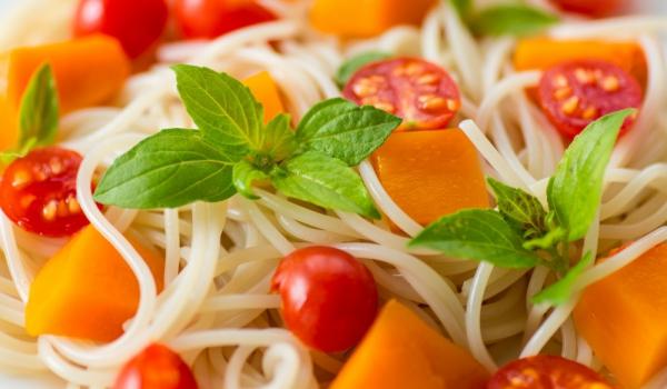 Спагети с тиква и маслини