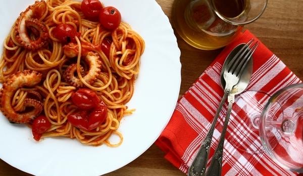 Спагети с октопод
