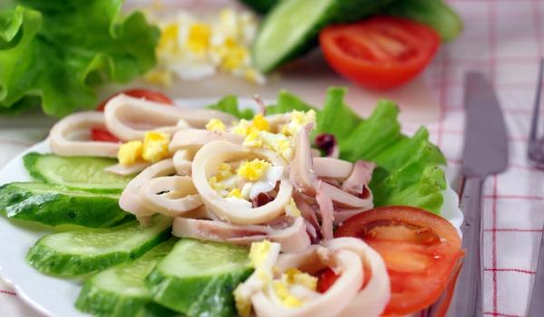 Гръцка салата с калмари