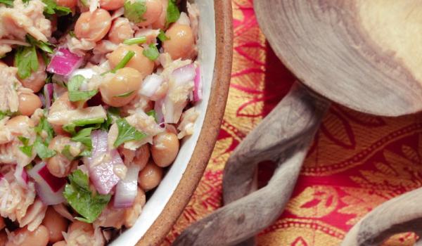 Бобена салата с риба тон
