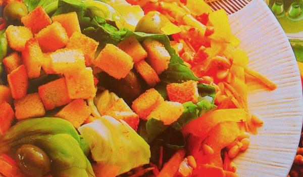 Салата от смесени зеленчуци