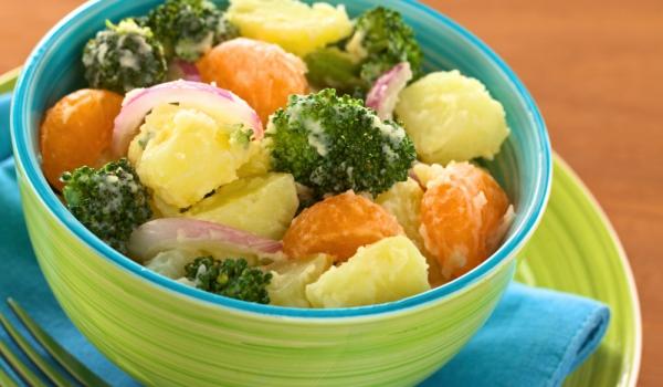 Салата с топли зеленчуци
