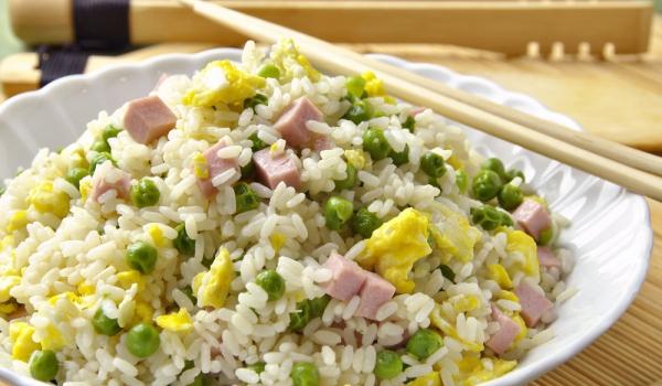 Пъстра оризова салата