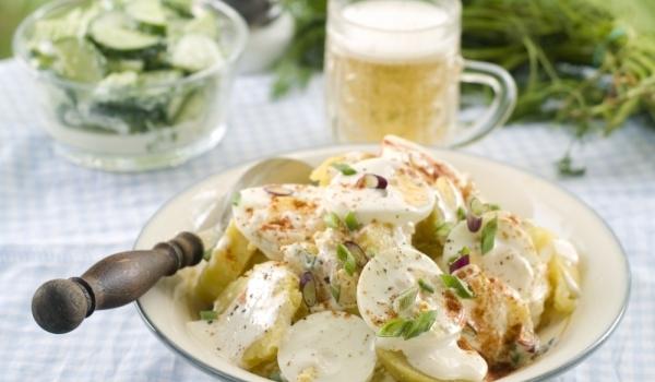 Картофена салата с ароматна заливка