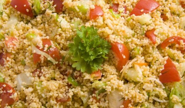 Средиземноморска салата от кускус