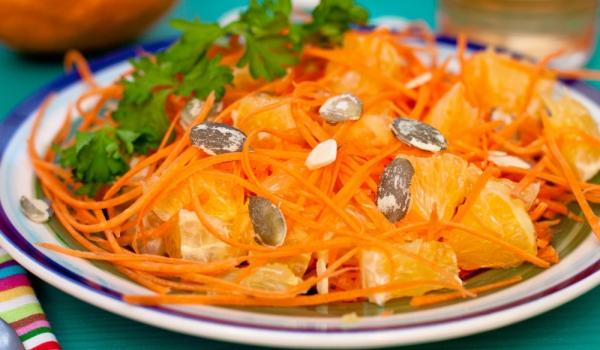 Салата от моркови и портокали