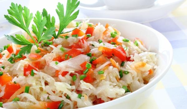 Сръбска салата от кисело зеле