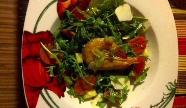 Пролетна салата с рукола и скариди