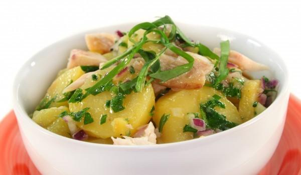 Картофена салата с пиле