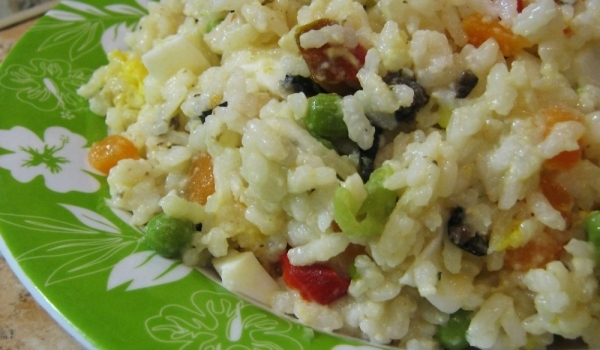 Шарена оризова салата