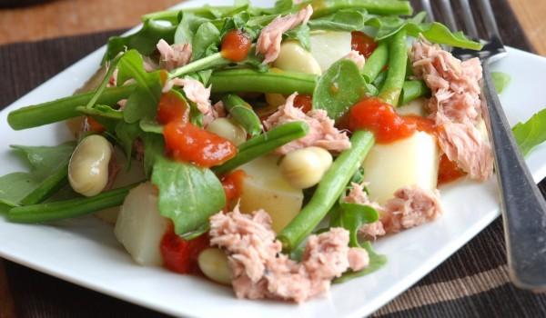 Картофена салата с риба тон
