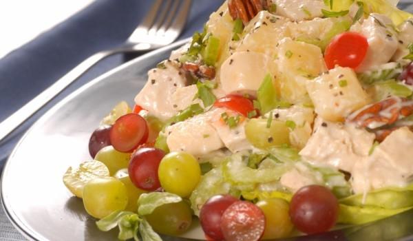 Екзотична пилешка салата