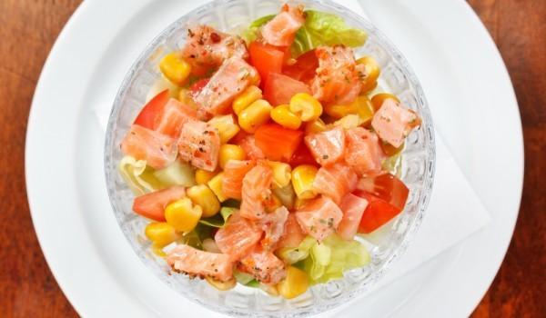 Царевична салата с бекон