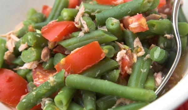 Салата зелен боб с риба тон