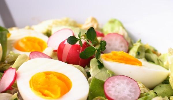 Яйчена салата с ряпа