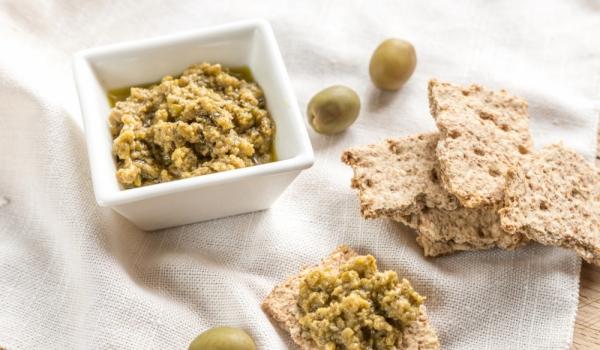 Пълнозърнести овесени крекери с маслини