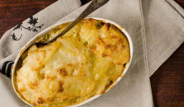 Картофи със сирене и яйца