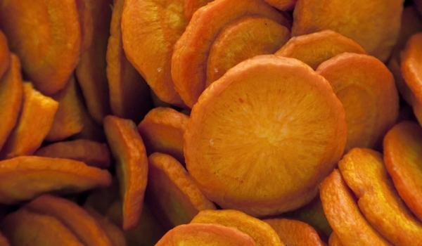 Морковен чипс с крем от пармезан