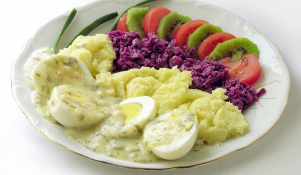 Яйца с къри сос