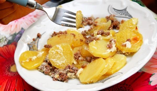 Печени картофи с кайма