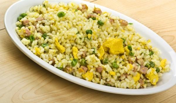 Ориз с шунка и чесън по китайски
