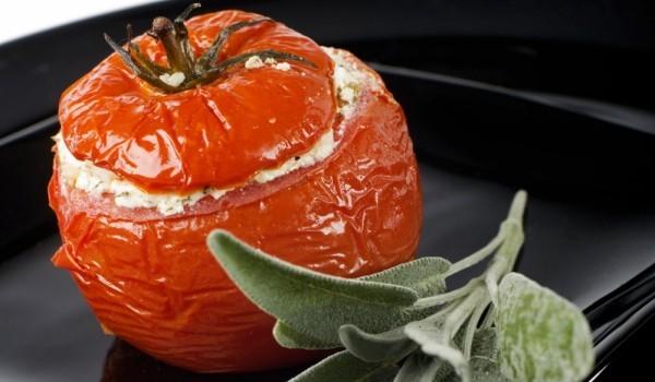 Пълнени домати с цаца