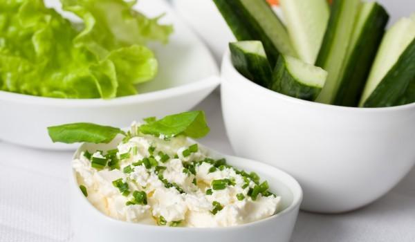 Пълнени краставици със сирене