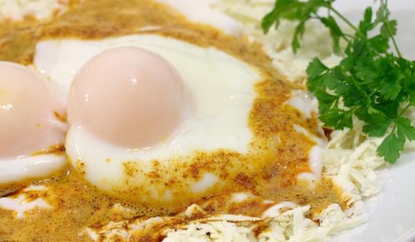 Пържени яйца с горчица